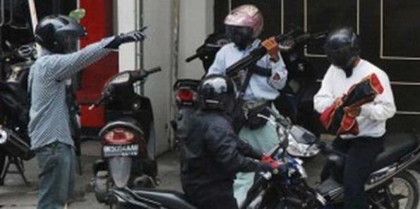 Foto-foto Eksklusif Perampokan di Medan
